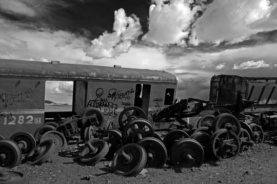 Alessandro Ciapanna DSC_2412_bolivia_train_axles_DRAMA