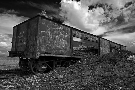 DSC_2382_bolivia_train_cargo_scrap_DRAMA